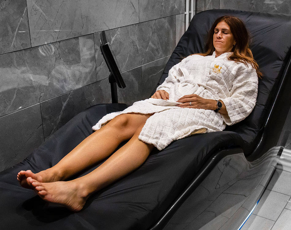 Hydro-massage bed